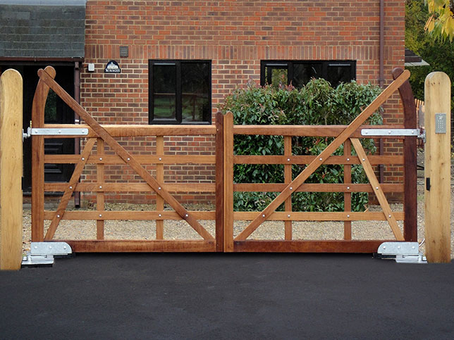 Ascot Estate Iroko 5 Bar Wooden Gate