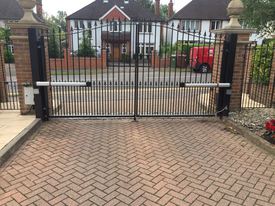 Northwood 2 Bow Top Steel Gates