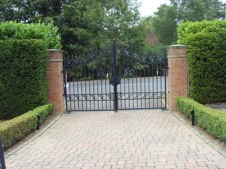 Runnymede Belle steel gates