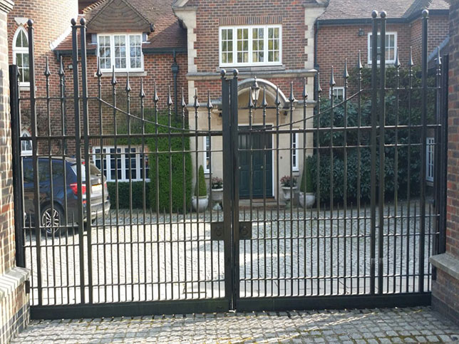 Totteridge Double Slider Steel Swing Gates